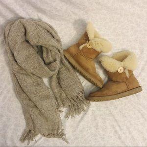 Ugg Chestnut Bailey Button Sheepskin Boots